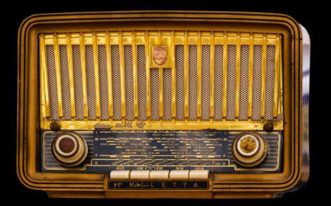 Radiospot Texter textet Radiospot für Zeitung